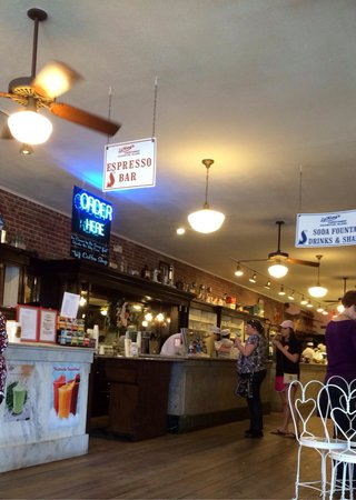 La King's Confectionery: Coffee bar