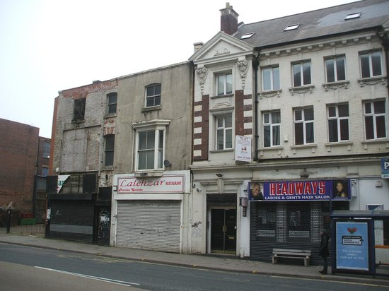 Hampton by Hilton Birmingham Jewellery Quarter: Along the street from the Hampton, showing condition of area