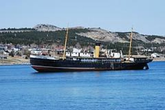 Rose Manor Inn: S.S. Kyle - beached in Harbour Grace since 1967