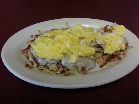 Westwind: Hash browns with sausage gravy