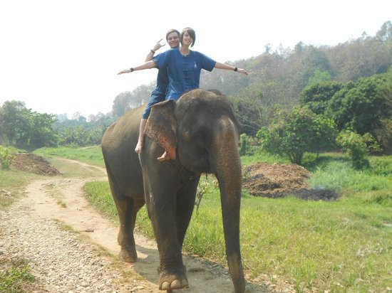 Baanchang Elephant Park - Private Day Tours: Riding the elephants bareback