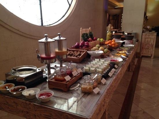 Four Seasons Hotel Cairo at the First Residence: Wonderful breakfast buffet