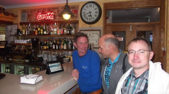 Pizzeria Falesia: at the bar
