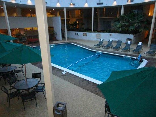 Radisson Hotel Cromwell: Pool.