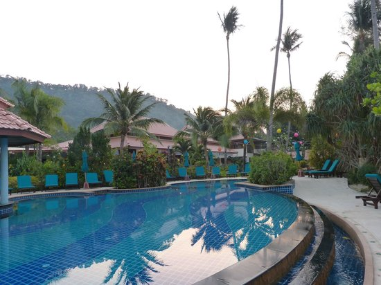 Koh Chang Paradise Resort & Spa : Pool am Morgen