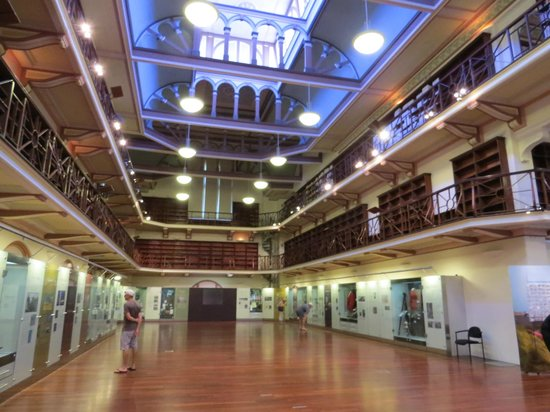 Western Australian Museum - Perth : The Hacket Hall