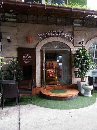 Boxpackers Hostel: Entrance