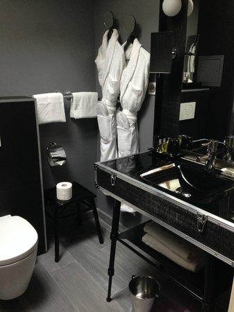 Le 123 Sebastopol - Astotel: bagno della camera