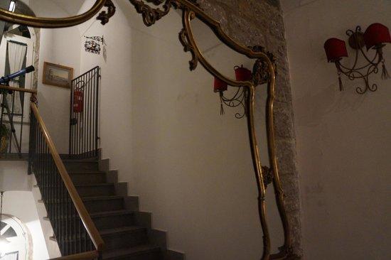 Casa a Mare: scale del b&b