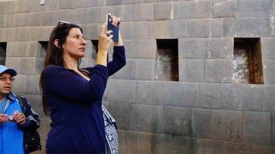 Convento de Santo Domingo: Tourist taking a photo