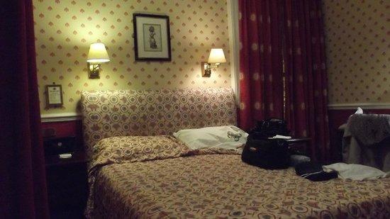 Royal Hotel: Room 104