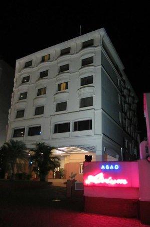 Hotel Abad Plaza: Aussenansicht