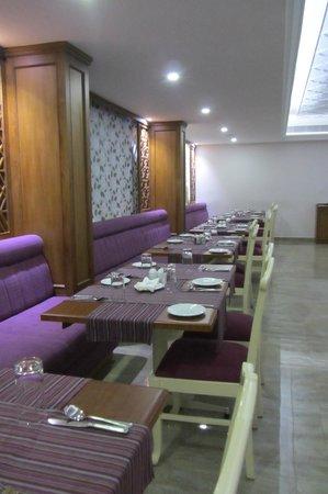 Hotel Abad Plaza: Restaurant f. Frühstück