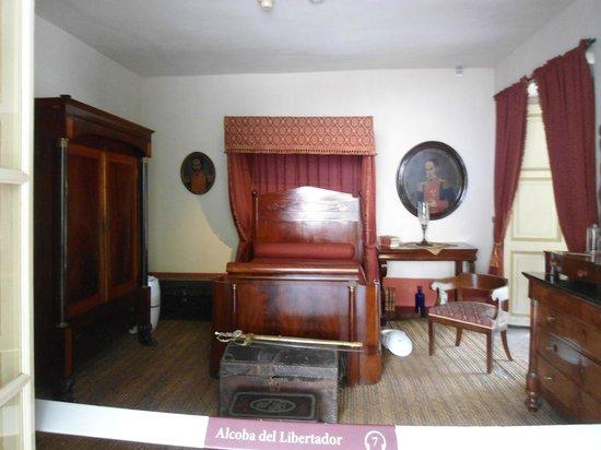 Foto de casa museo quinta de bolivar bogot comedor for Casa quinta muebles bogota