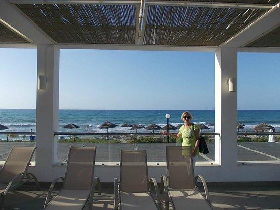 Lyttos Beach Hotel : Terrasse Pool bar