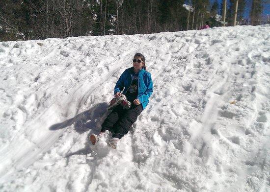 Taos Ski Valley: Lindz taking a person sledding trip.
