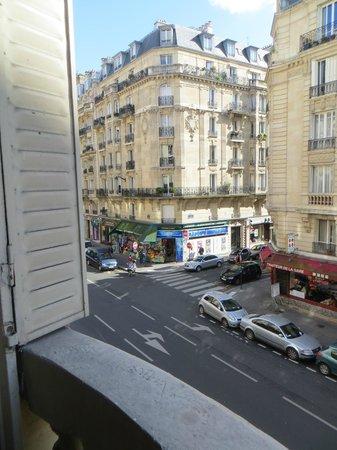 Hotel Lyon Bastille: Street view