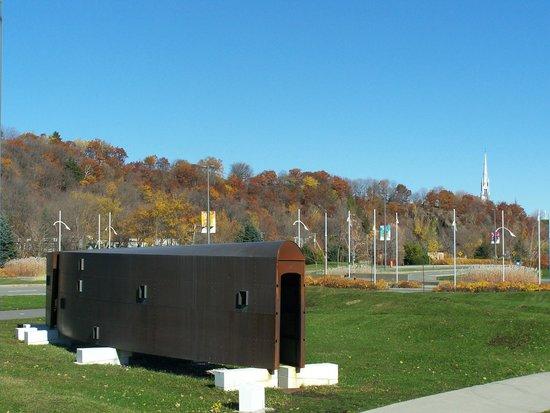 La Promenade Samuel-De Champlain: Art Contemporain, Pierre Bourget, Promenade Samuel-de-Champlain