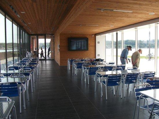 La Promenade Samuel-De Champlain: La station des Cageux, salle multifonctions et restauration