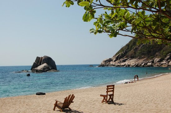 Montalay Beach Resort: Strand vorm Hotel