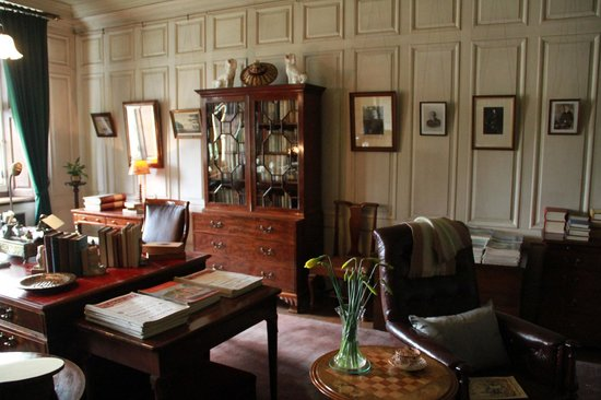 Dunham Massey Hall & Gardens : Bedroom, Dunham Massey