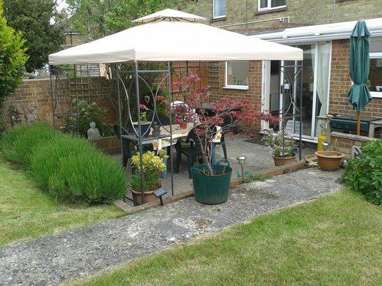 Langmead Guest House: Garden Gazebo