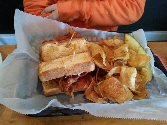 Doc's Riverside Grille: BLT was nicely crafted