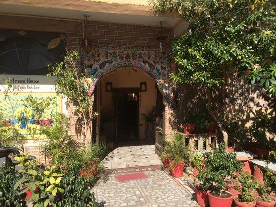 Durag Niwas Guesthouse: Entrée