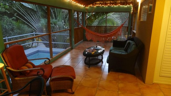 Casa Resaca: Comfy Lanai with cooling pool outside