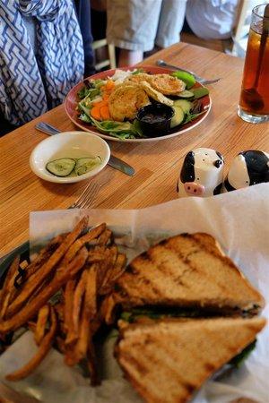 Jestine's Kitchen: lunch!