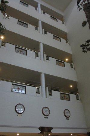 Hotel Sandesh The Prince : Innen-Ansicht von Lobby aus
