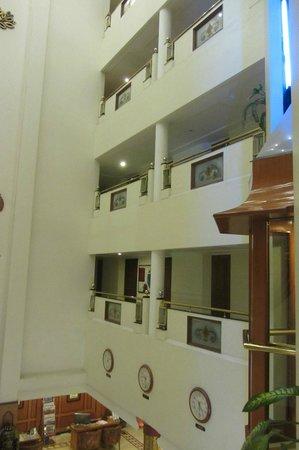 Hotel Sandesh The Prince: Gänge zu Zimmern