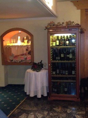 Kolmhof Hotel: Großes Weinangebot :)