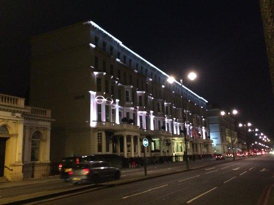 Radisson Blu Edwardian Vanderbilt : Hotel from the street