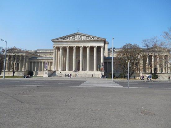 布达佩斯美术博物馆