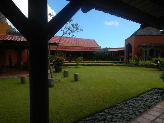 Rhumerie de Chamarel: jardin intérieur