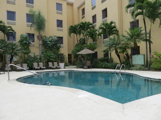 Quality Hotel Real San Jose: Beautiful pool area