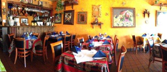 Q'ero Restaurant: Peruvian deccor