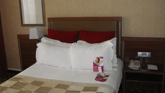 Crowne Plaza Paris Republique: Letto