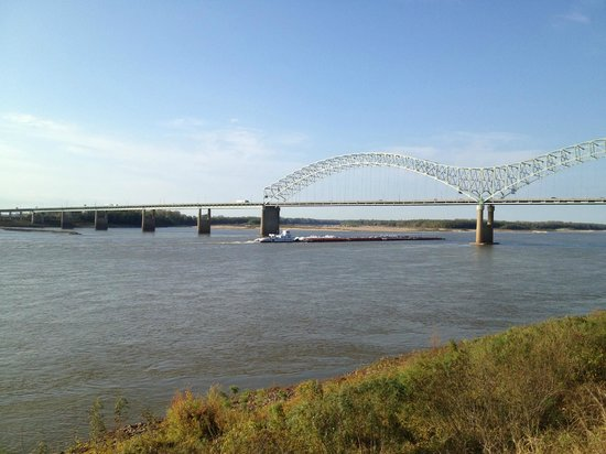Mud Island River Park: Arkansas Bridge