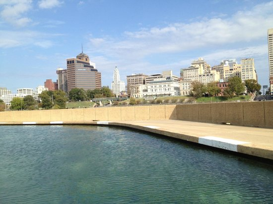 Mud Island River Park: City View