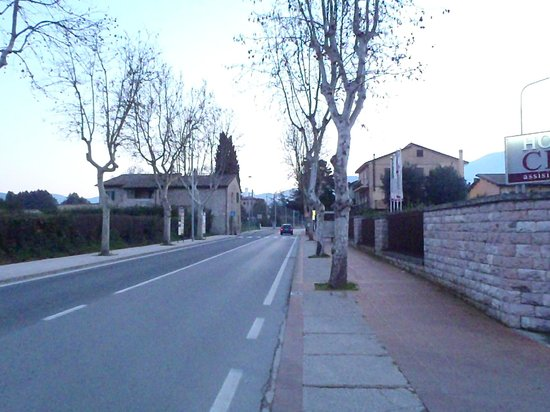 Hotel Cenacolo : View from street
