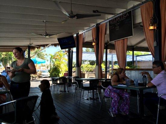 Atlantica Seafood Restaurant & Market: Веранда