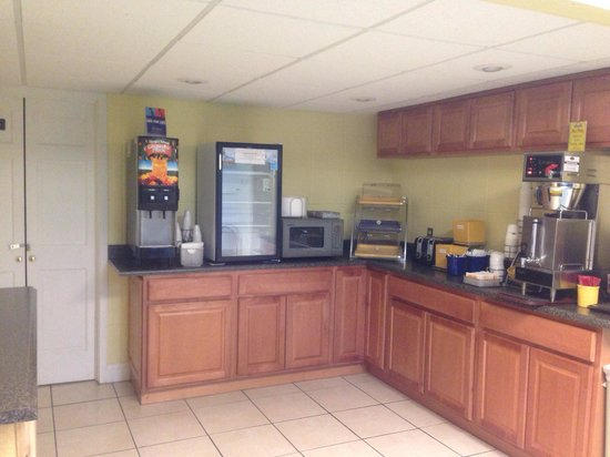 Days Inn Jasper: Breakfast area