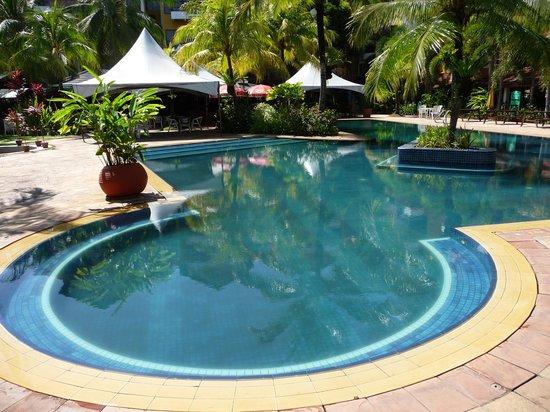 Tiara Labuan Hotel: Pool at hotel tiara