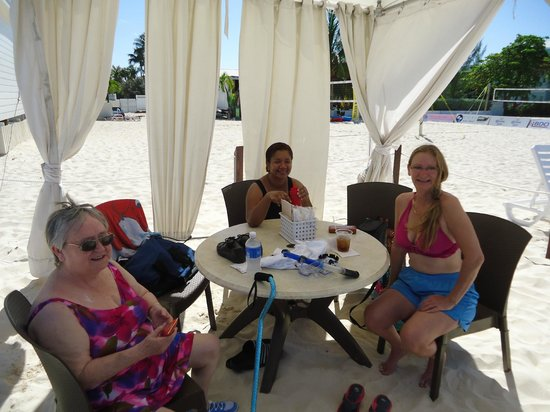Royal Palms Beach Club: in the cabana
