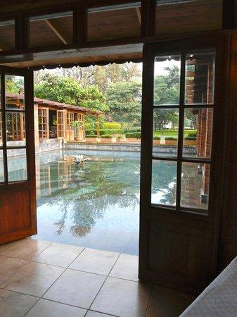 Arusha Coffee Lodge: vista dalla sala colazione