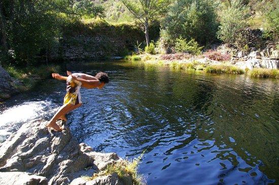 Family fun wild river swimming - Yurt Holiday Portugal