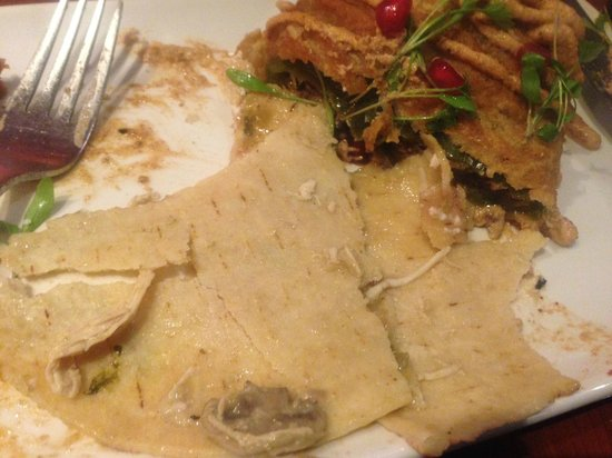 Cantina Laredo : Frozen tortillas, badly reheated.
