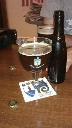 Op11 Taberna Frituur Belga: cerveza westvleteren 12